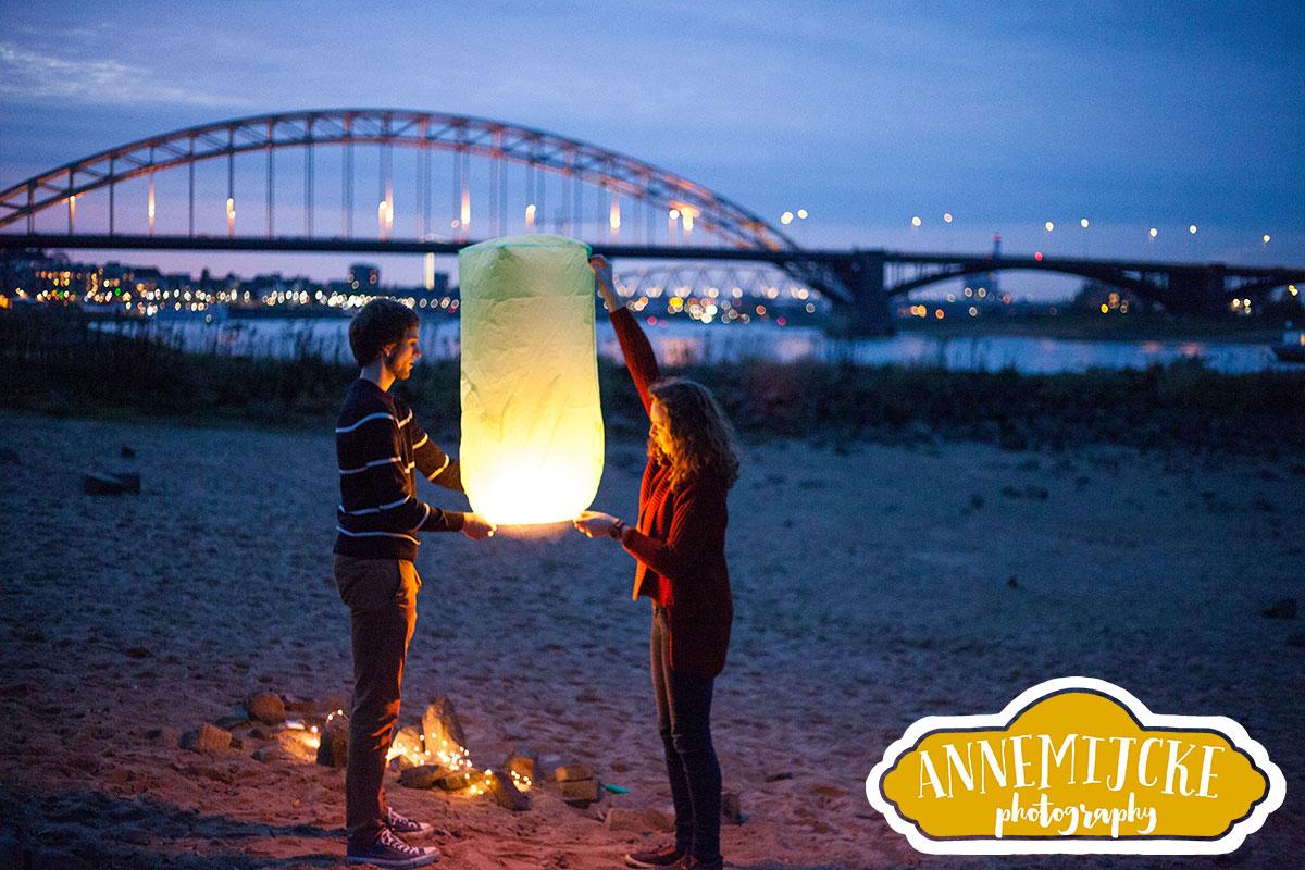 Fotoshoot Waalstrandje wensballonnen